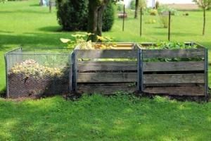 Kompostmieten im Einsatz